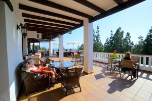 el-chaparral-golf-club-terrace
