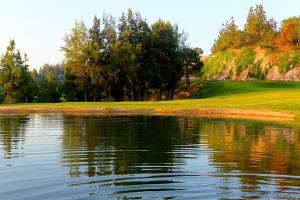 hole17-el-chaparral-golf-club-lake-1