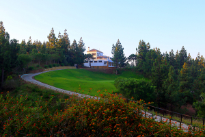 hole18-and-club-house-el-chaparral-golf-club-2