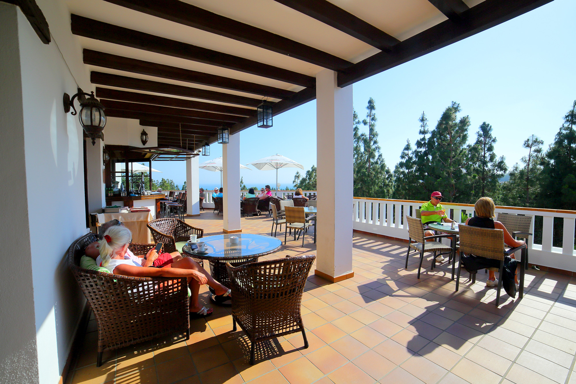 el-chaparral-golf-club-terrace-1